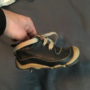 Navy Leather Stride Rite baby shoes